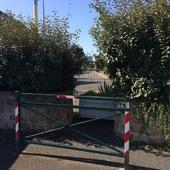 """Rue du Vaucluse : """"Fermé pour cause de bêtise"""" !!! - Orsay en Action"""